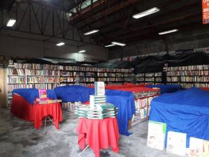 Books for Less Warehouse Sale 2017